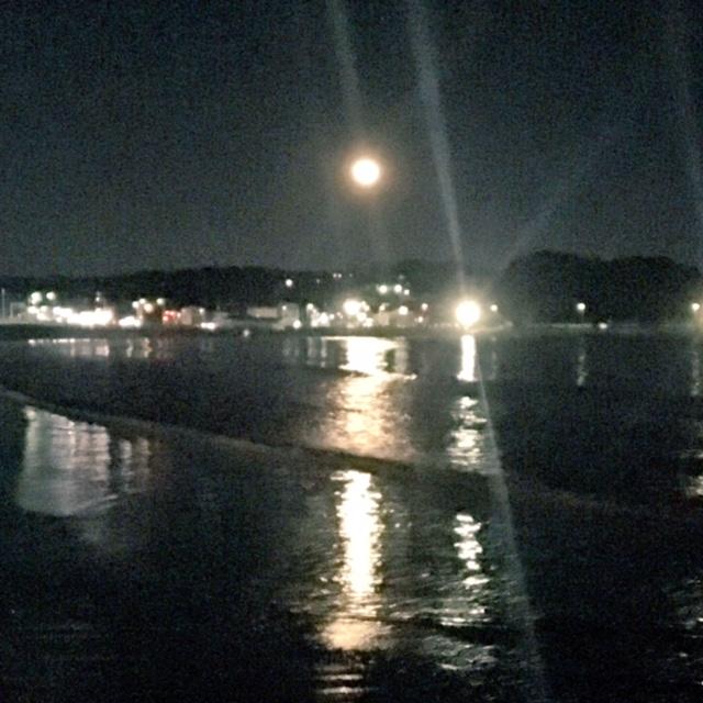 江ノ島の月
